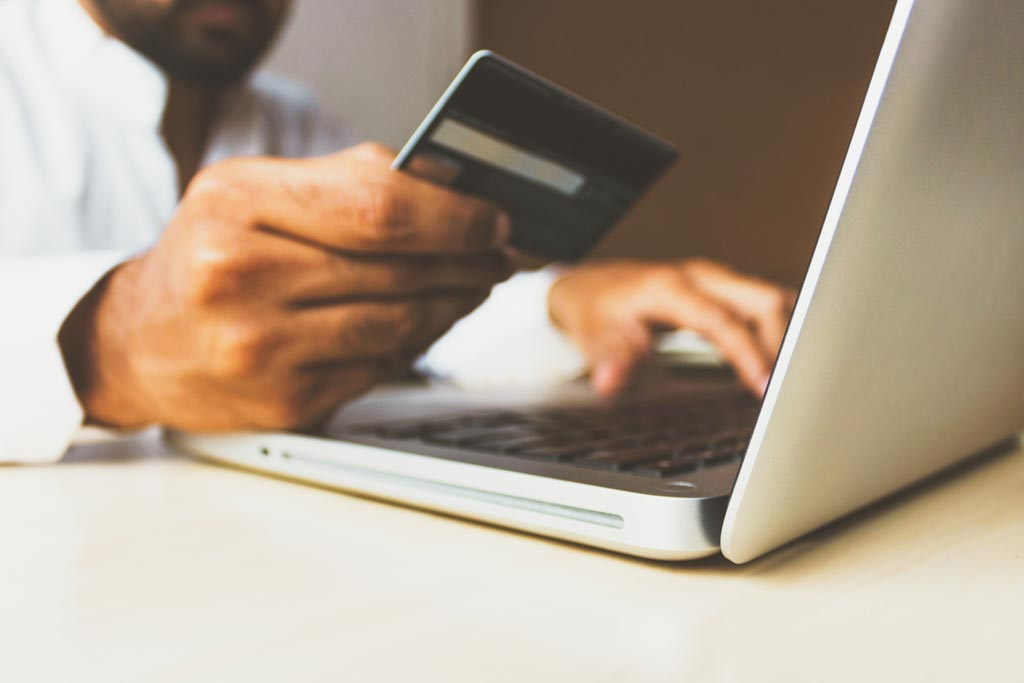 A Look Into How eCommerce Software, Payment Gateway and Payment Processors Take Payments