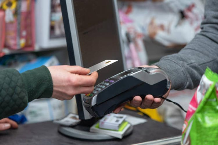 A Simple Guide to The Inner Workings of Credit Card Processing